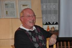 925_Gerhard_Blaickner_diskutiert_besondere_Briefe_-_08-03-2013
